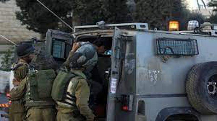 قوات الاحتلال تعتقل شابا وتستولي على مركبة في بيت لحم