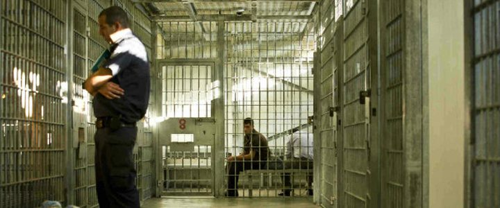 الهيئة: الاحتلال يمدد توقيف الأسير المصاب عبد الله أبو بكر 8 أيام