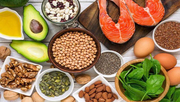 مواد غذائية تحافظ على صحة الرجال بعد سن الأربعين