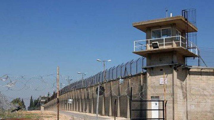 قوات القمع تقتحم سجن عسقلان