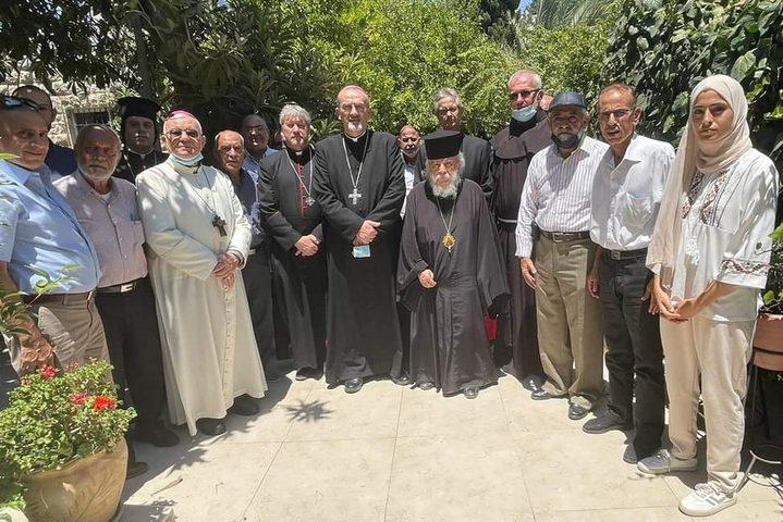 وفد من رؤساء الكنائس يتضامن مع أهالي حي الشيخ جرّاح بالقدس