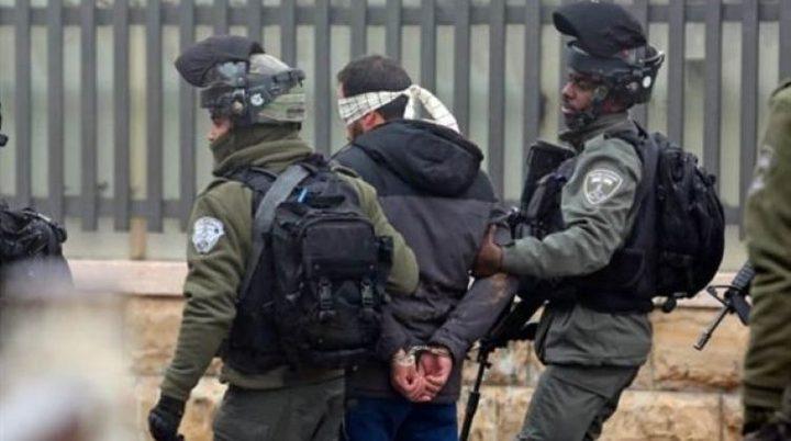 الاحتلال يعتقل مواطنا من قرية تل غرب نابلس