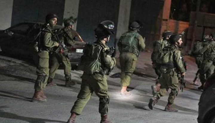 الاحتلال يعتقل عددًا من المواطنين في الضفة الغربية و القدس