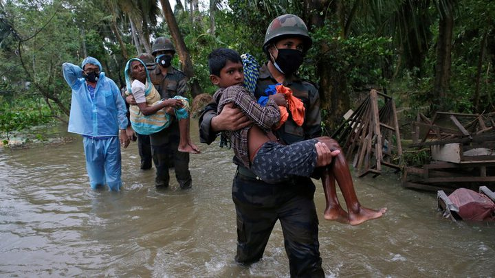 انهيار أرضي بسبب الأمطار الغزيرة يودي بحياة 7 أشخاص في الهند