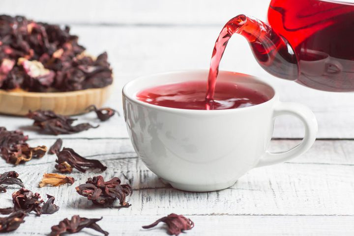 بالأدلة العلمية.. 10 فوائد صحية وتجميلية مذهلة لمشروب الكركديه