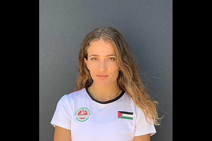 العداءة الفلسطينية هناء بركات وتودع الأولمبياد بجدارة