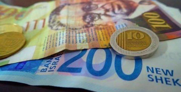 انخفاض على سعر صرف الدولار مقابل الشيكل