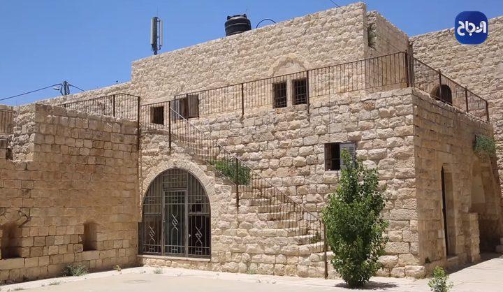 قلعة ابن سرحان التاريخية في رأس كركر غرب رام الله