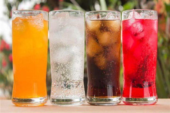 فئات لا يجوز لها تناول المياه الغازية والحلوة