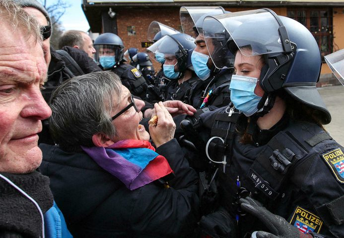 ألمانيا :الشرطة توقف أكثر من 500 محتج على قيود كورونا