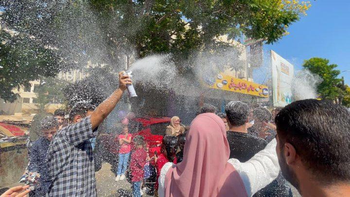 أجواء الاحتفال بنتائج الثانوية العامة في مدينة الخليل