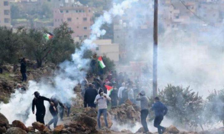 نابلس: اصابة 4 مواطنين خلال مواجهات مع الاحتلال فوق جبل صبيح