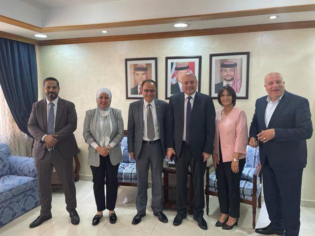 حقوق الانسان تبحث التعاون والتنسيق مع لجنة الحريات بالأردن