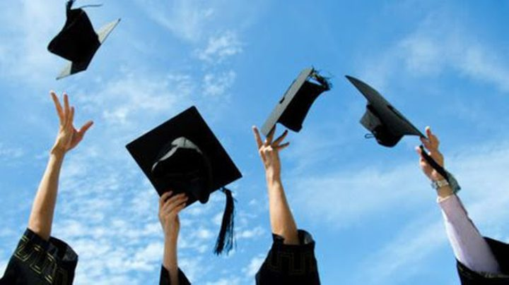 الرئيس يهنئ الناجحين في امتحانات الثانوية العامة