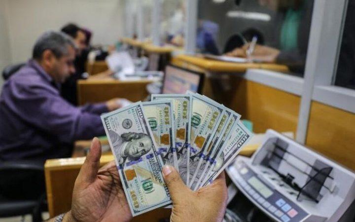 الإعلام العبري:البنوك الفلسطينية ترفض توزيع المنحة القطرية بغزة