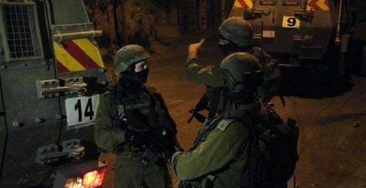 الاحتلال يعتقل شابا غرب بيت لحم