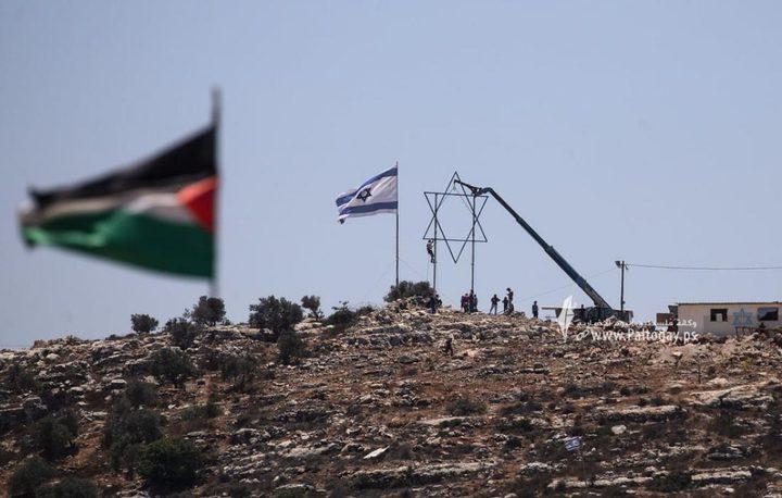 """قوات الاحتلال تقوم بتركيب برج عسكري على جبل """"صبيح"""" في نابلس"""