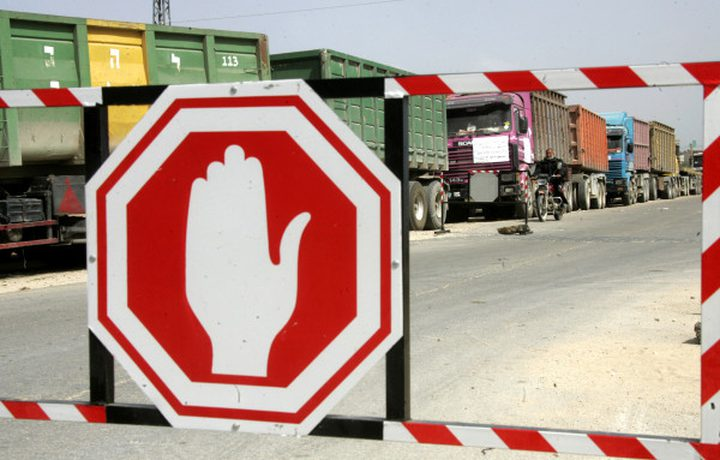 الاحتلال يتراجع عن إدخال 34 سلعة إلى قطاع غزة