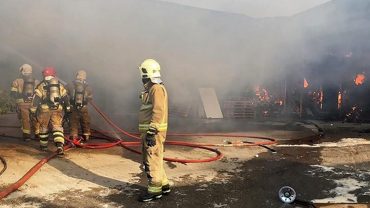 اندلاع حريق في مصنع بجزيرة خارك الإيرانية بمياه الخليج