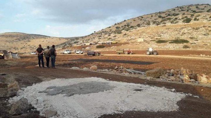الاحتلال يفكك خلايا شمسية شرق طوباس