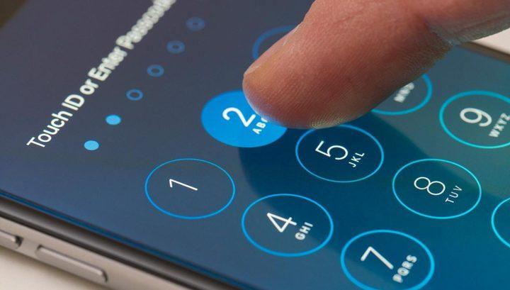 هل من الممكن اختراق كلمة مرور أيفون و Gmail؟