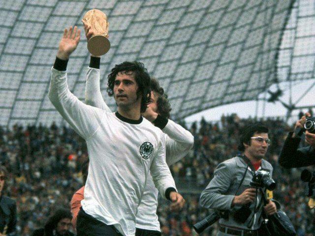 وفاة جيرد مولر أسطورة الكرة الألمانية
