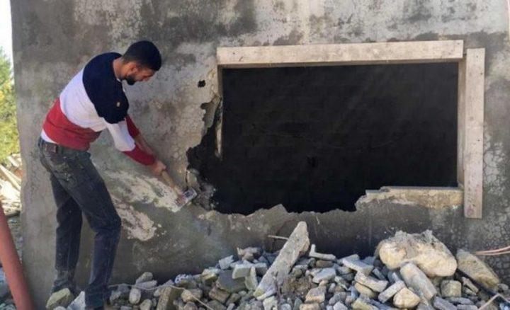 قوات الاحتلال تجبر مقدسيا على هدم منزله في الطور