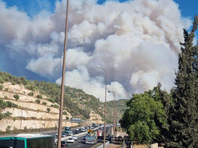 بينيت يعقد اجتماعا حول الحرائق في جبال مدينة القدس