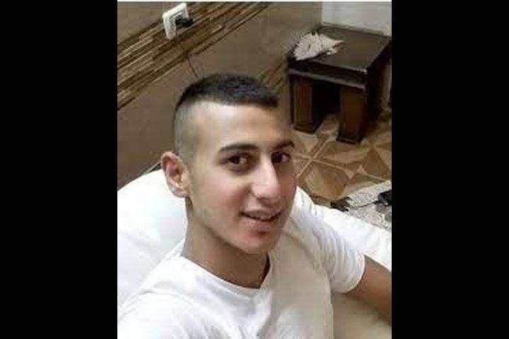 أسير من طولكرم يعلّق إضرابه عن الطعام بعد قرار بالإفراج عنه