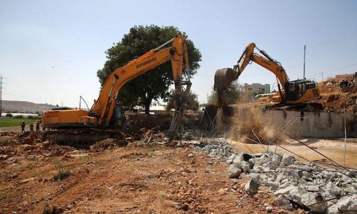 الاحتلال يهدم منزلا قيد الانشاء في يتما جنوب نابلس
