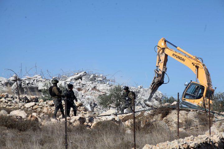الاحتلال يهدم منشأة زراعية ويعتقل صاحبها في قفين شمال طولكرم