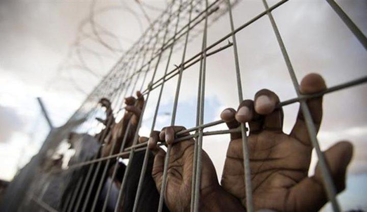11 أسيرًا يواصلون معركة الإضراب عن الطعام