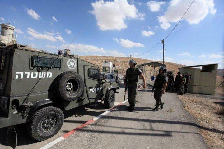 الاحتلال ينصب حواجز عسكرية في الخليل