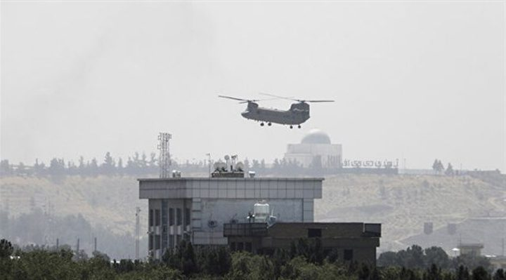 طالبان تحمّل أميركا مسؤولية الفوضى في مطار كابول