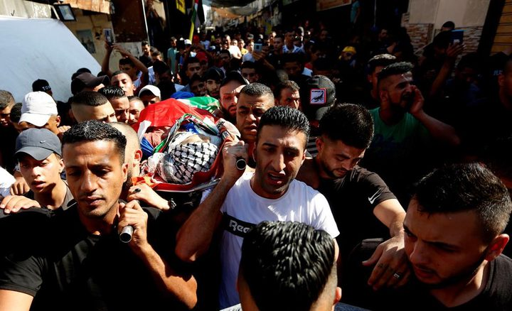تشييع جثمان الشهيد الطفل عماد حشاش في مخيم بلاطة