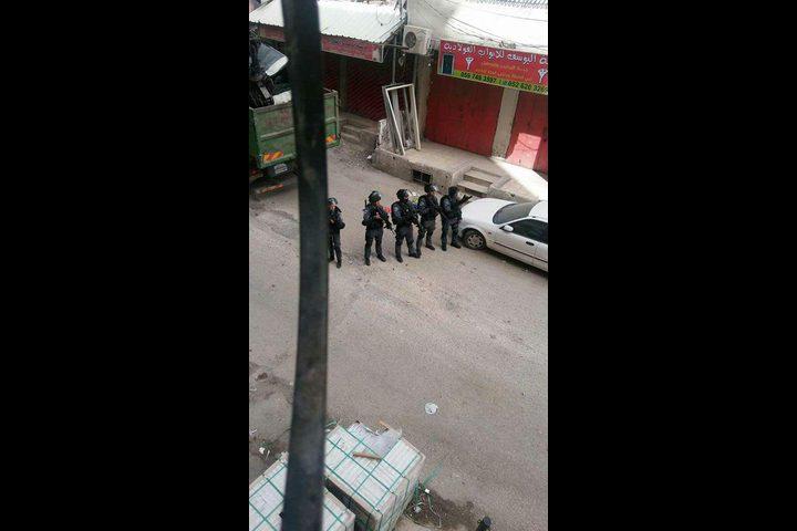 اعتقال رئيس اللجنة الشعبية في مخيم شعفاط