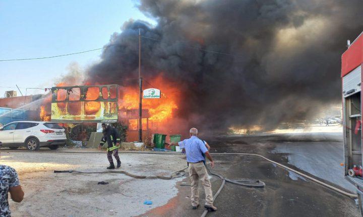 حريق يلتهم محال تجارية ببلدة دار صلاح شرق بيت لحم