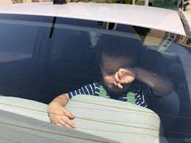 وفاة طفل إثر نسيانه داخل سيارة بالنقب