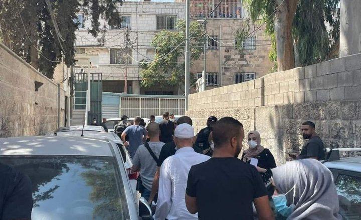 """اقتحام مدرسة """"الشابات المسلمات"""" في القدس واعتقال المديرة"""