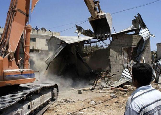 الاحتلال يهدم 3 منشآت زراعية في قرية دوما