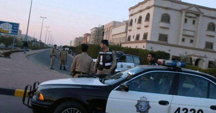 """""""جريمة مروعة"""" تهز الكويت.. ترك الشرطة بالباب ونحر شقيقته"""