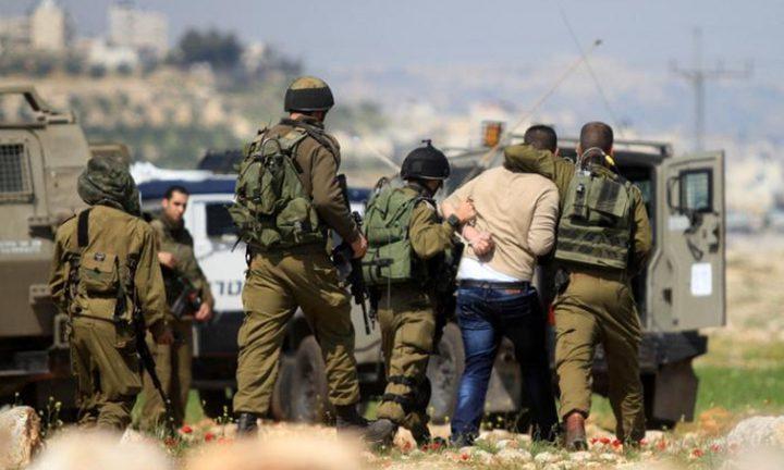قوات الاحتلال تعتقل شابين ويقتحم منازل في بيت لحم