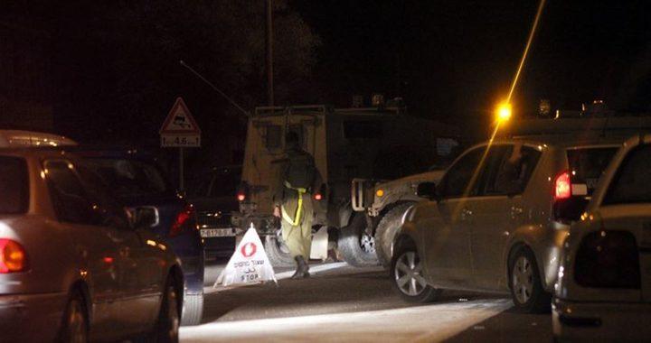 قوات الاحتلال تعيق حركة المواطنين شرق جنين