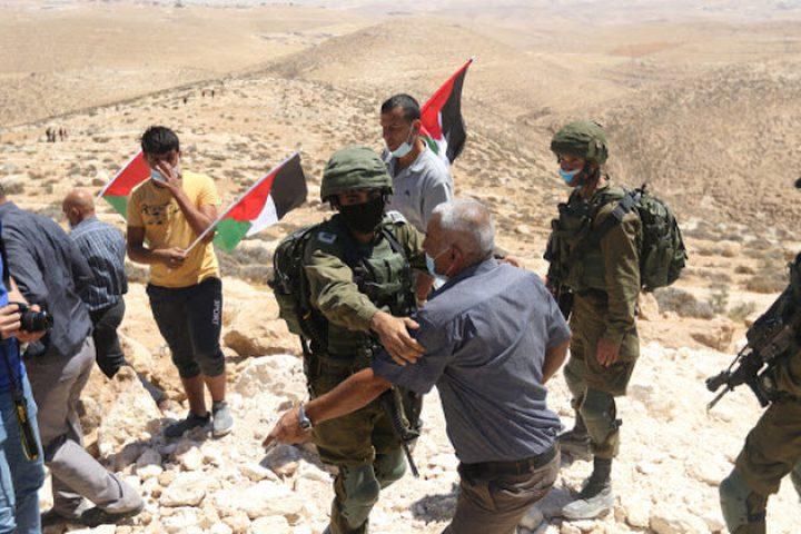 الاحتلال يقمع مظاهرة منددة للاستيطان جنوب الخليل