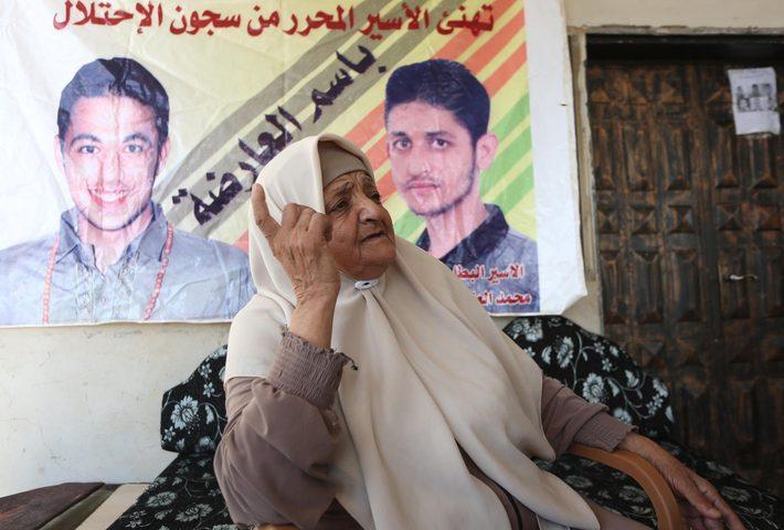 والدة الأسير محمد عارضة: ما قام به الأسرى الستة هو انتصار لفلسطين