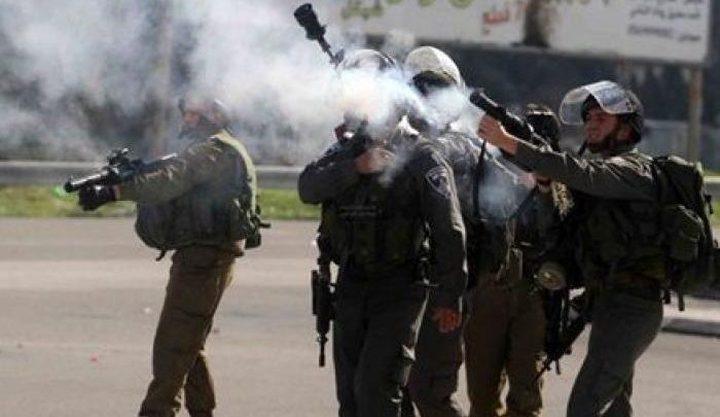 إصابات بالاختناق بين الطلبة خلال اقتحام الاحتلال قرية تياسير