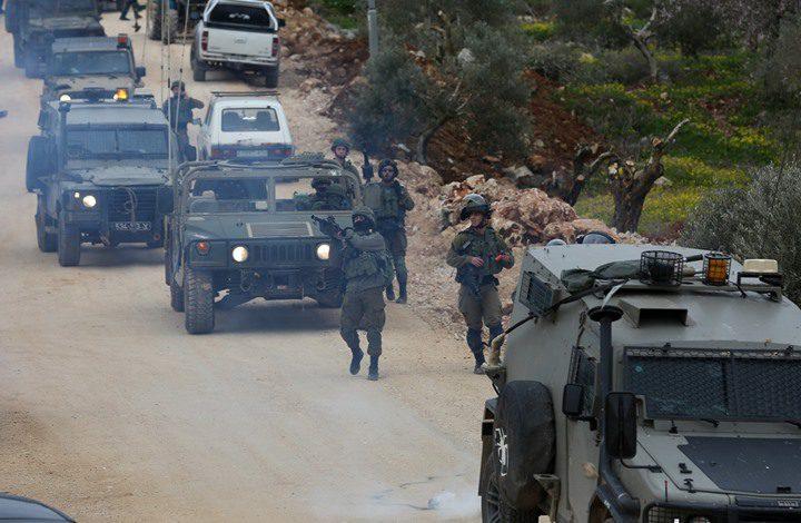 مواجهات في رام الله فجرا وقوات الاحتلال تعتقل مسنا
