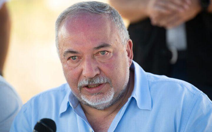 ليبرمان يزعم: لا يمكن التوصل إلى حلول وتسويات مع عباس وغزة