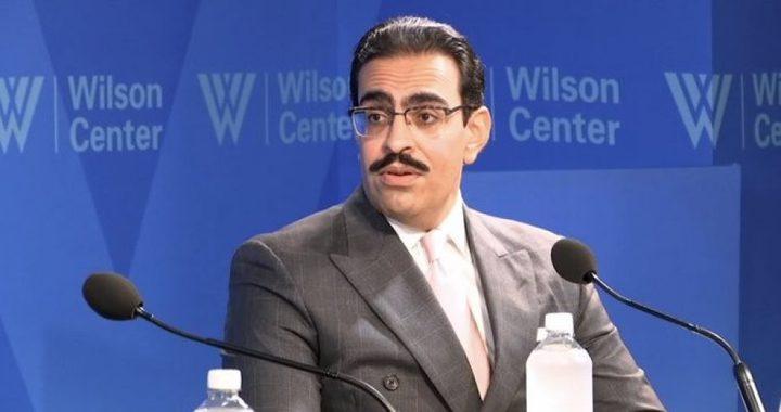 """السفير البحريني: العلاقات مع إسرائيل كانت """"أهم اختراق"""""""