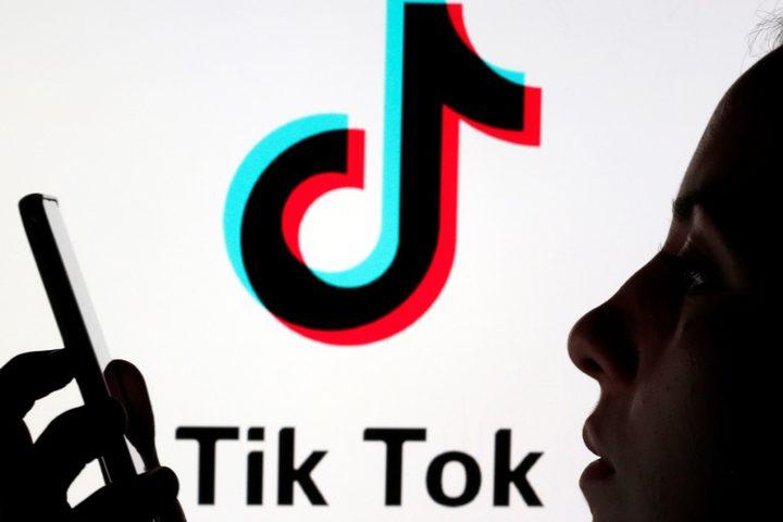 """عطل فني يصيب عمل منصة """"TikTok"""""""